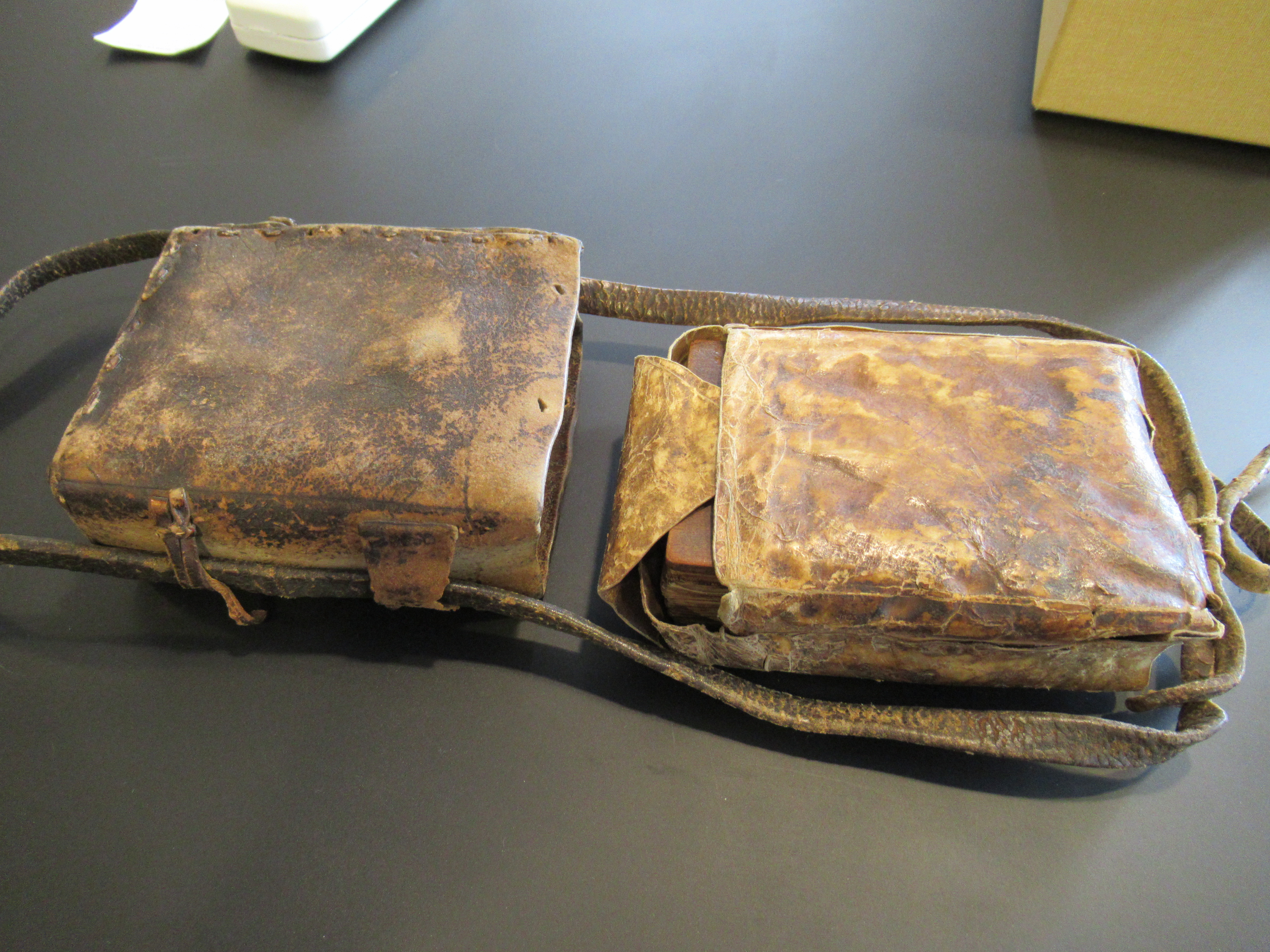 Ethiopic Manuscript, interior slipcase and satchel in leather, Or. 17.088, Leiden University Library.